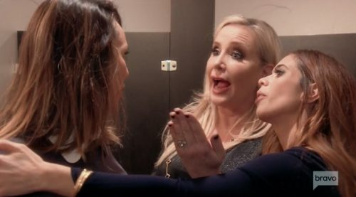 Kelly & Shannon argue in the bathroom